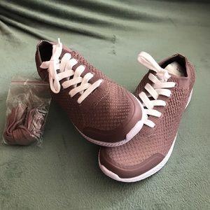 Easy Spirit Walking shoes 9.5
